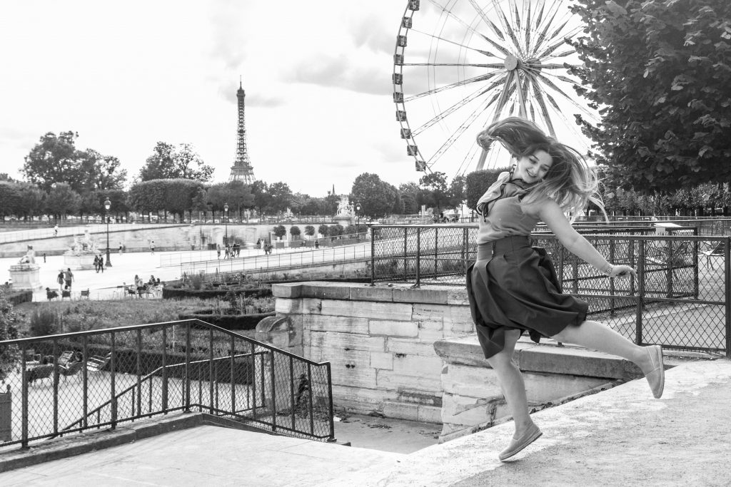 SHOOTING IN TUILERIES