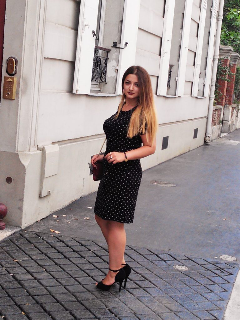 BLACK AND WHITE DOTTED DRESS
