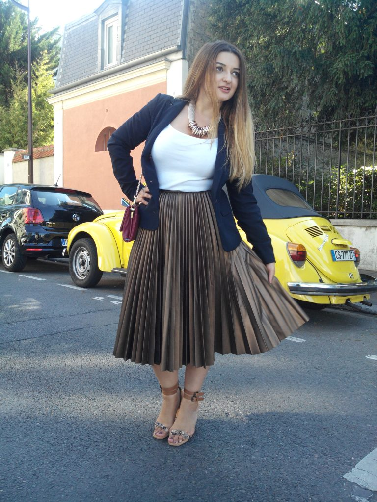 GOLDEN PLEATED SKIRT